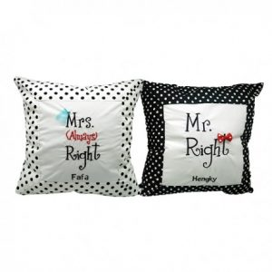 mr-mrs-right-cushion-