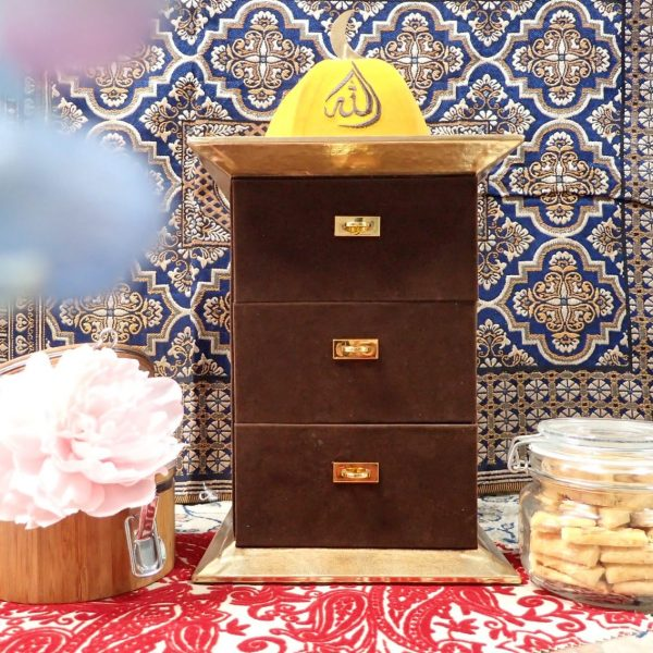 Brown Havana Cookies Cabinet