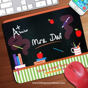 Jual Mouse Pad Custom Hadiah Hari Guru